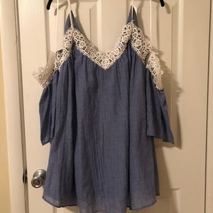 Dresses & Skirts - NWT Embroidered Off the shoulder Dress